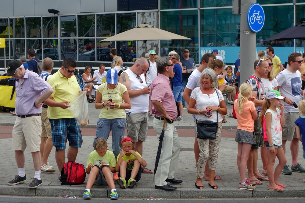 crowd waiting for cyclists tour de france 2015 Rotterdam