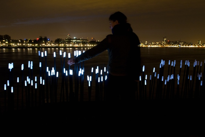 Daan Roosegaarde's project Dune is an interactive landscape of LED lights
